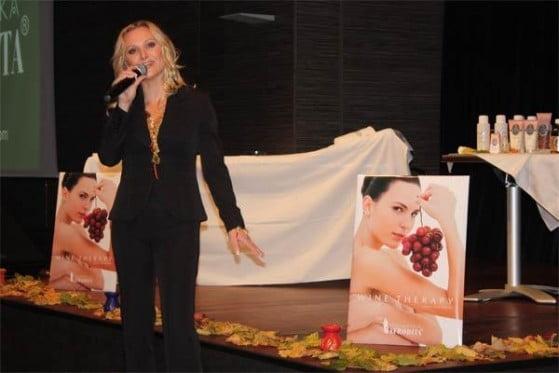 novica-2008-11-11-afrodita-v